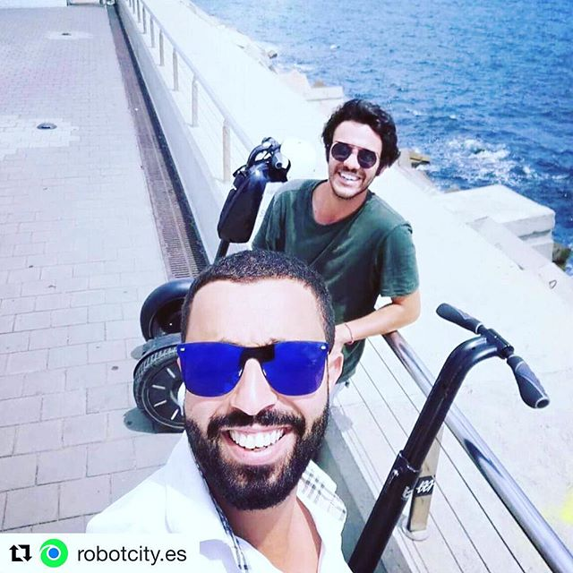 Saturday segway selfie tour stops in Barcelona Spain  with amazing segway tours in Spain  Great tour guides make the tour . @robotcity.es ・・・ Hi everyone! My name is Julio an I will be your guide for today.  Enjoy a Segway experience with me! . .