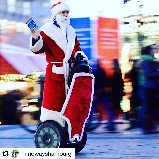 Santa prefers a Segway for those sightseeing and shopping excursions. . . @mindwayshamburg (@get_repost) ・・・ Habt ihr uns auch schon gesehen? 🏼