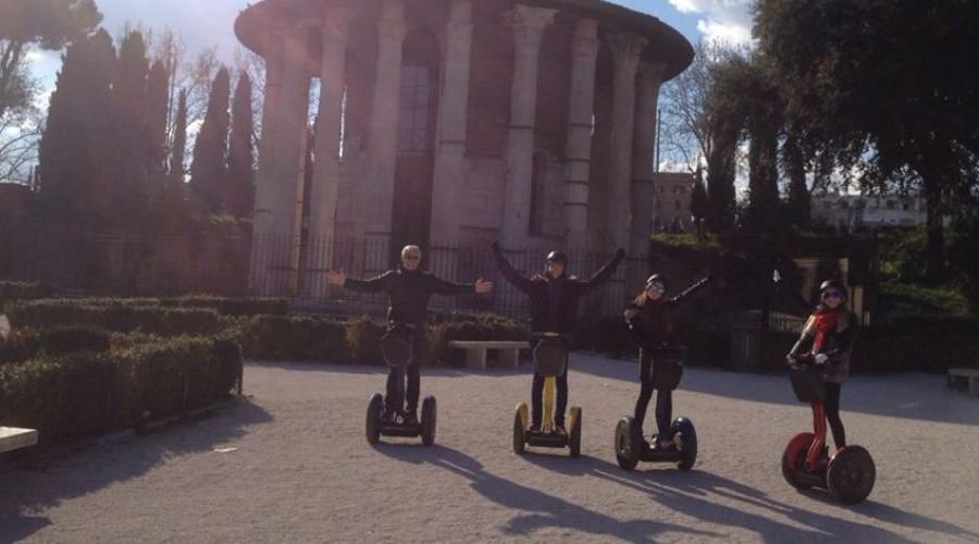 DolceVitaTours–Segway-Tours–Rome-Italy_1000.jpg
